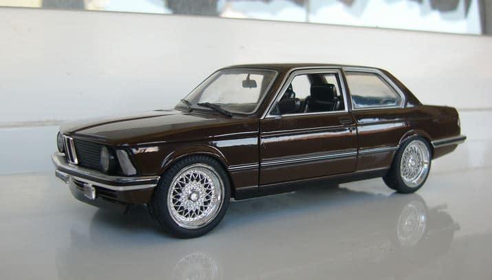где у BMW e36 номер кузова