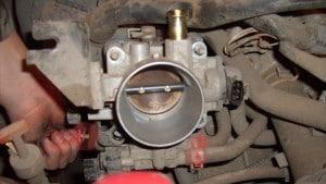 Дроссельная заслонка на двигателях 1nz fe