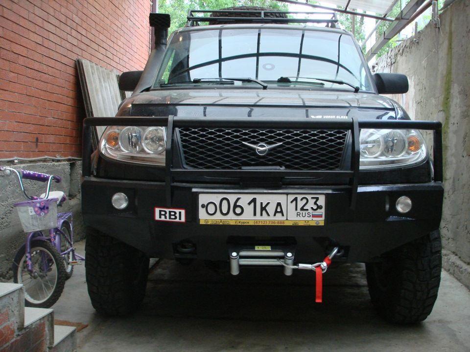 Передний силовой бампер на УАЗ Патриот