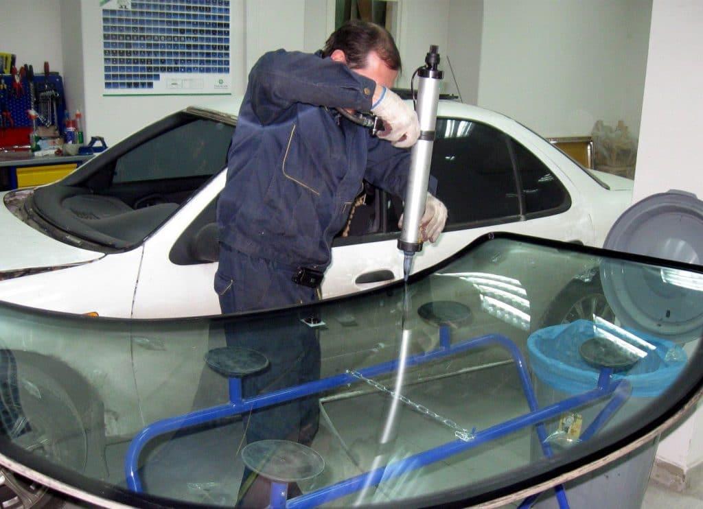 Цена лобового стекла фольксваген кадди