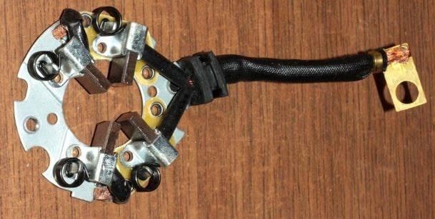 Щеточный узел