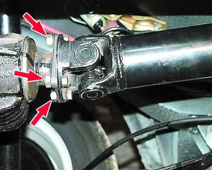 Установка карданного вала Волги 31105