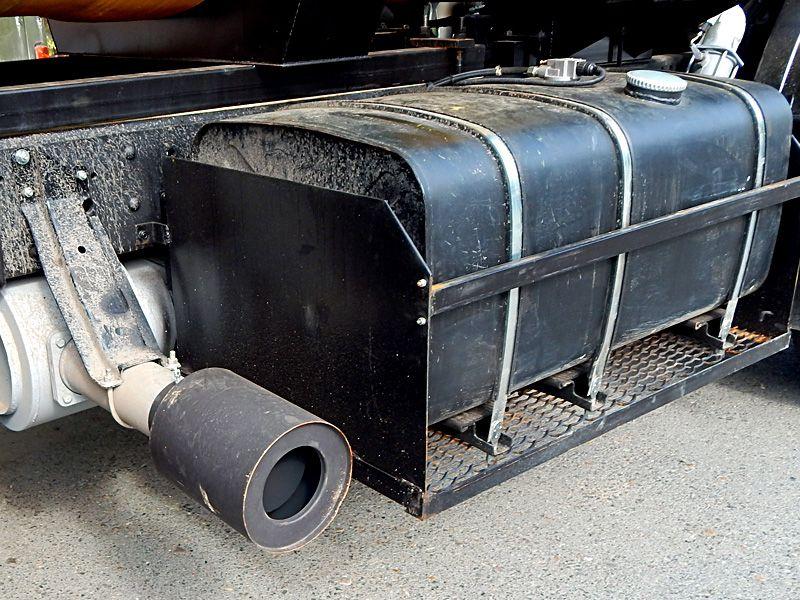 Установка топливного бака камаз