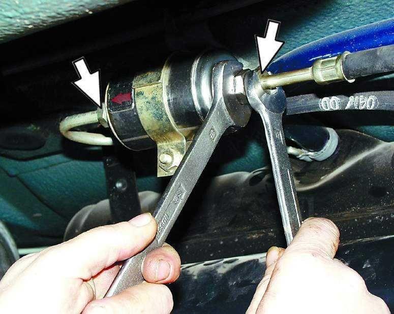 Замена топливного фильтра ВАЗ 2109