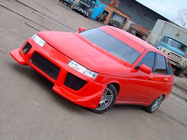 Красный тюнинговый ВАЗ 2112