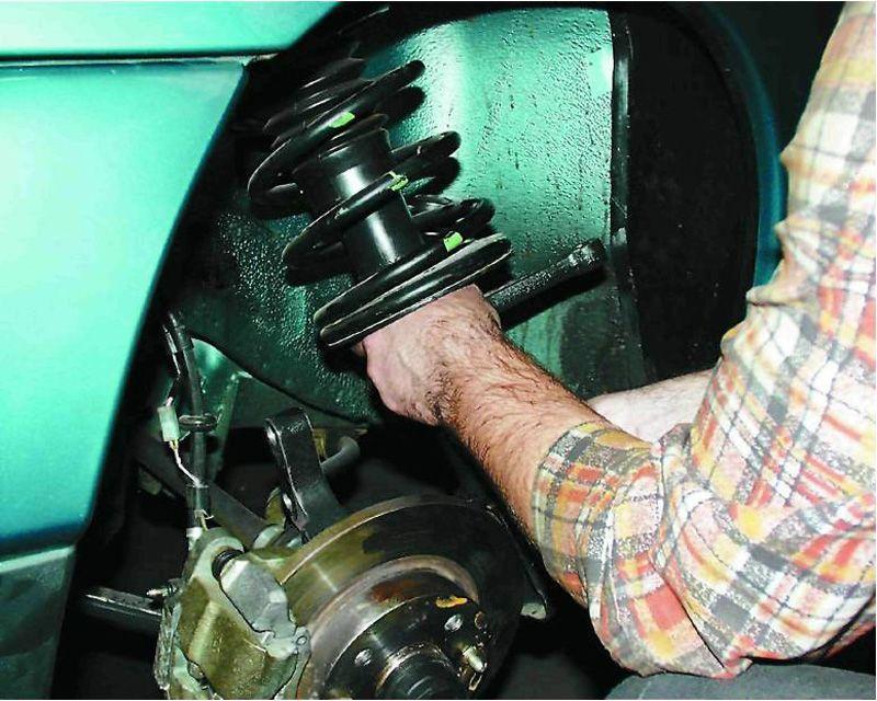 Замена задних амортизаторов ВАЗ 2110