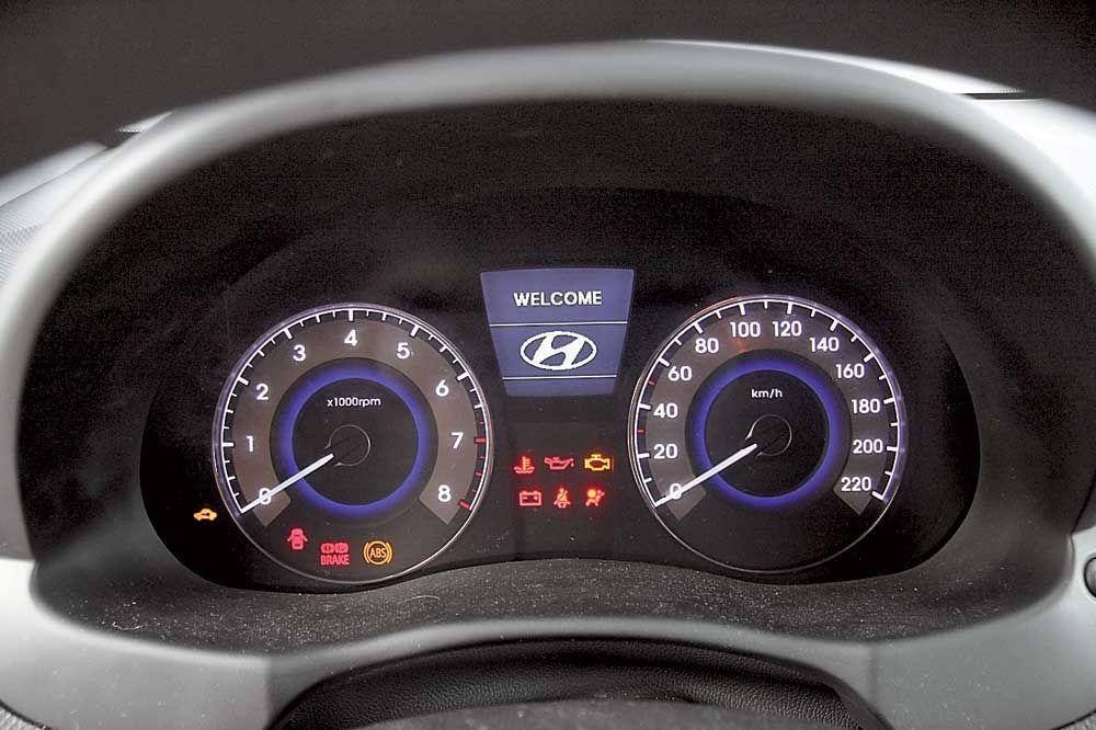 Hyundai Accent тахометр