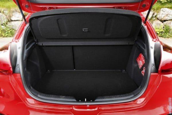Багажник в Киа Сид