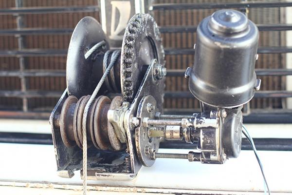 Лебедка из моторчика дворника