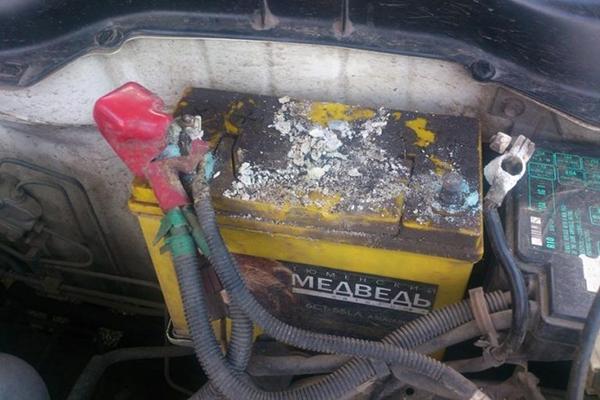 Утечка электролита АКБ